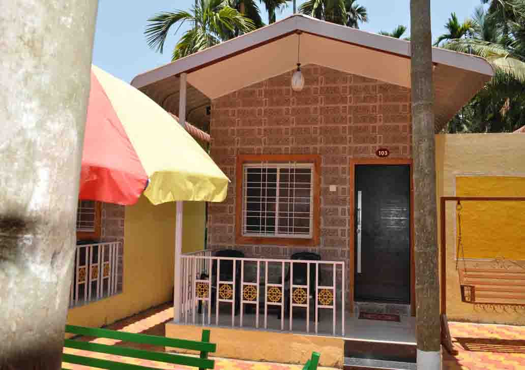 Diveagar Hotels Near Beach
